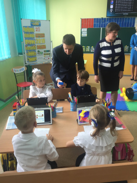 Vice Prime Minister Viacheslav Kyrylenko got familiarized with the progress of implementtaion of the New Ukrainian School project in Cherkasy region