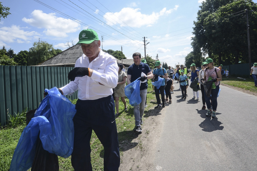 Hennadii Zubko together with European partners took part in the #MyCleanCommunity plogging rally