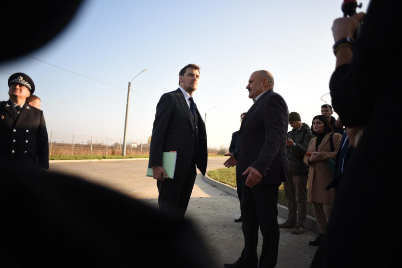 Prime Minister Oleksiy Honcharuk commissions to root out customs smuggling in one month