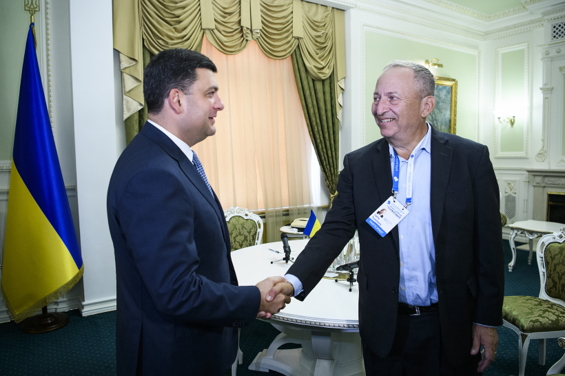 We have a challenging task - while facing aggression to convert the post-Soviet Ukraine into the developed country – a meeting of Prime Minister and economist Lawrence H. Summers