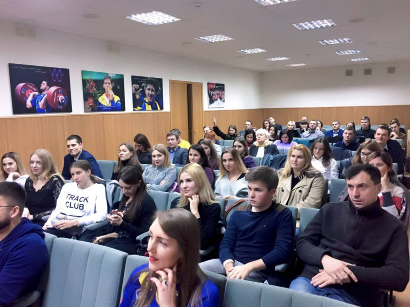 In the framework of the project 11 Steps to the Future with Successful Ukrainians Volodymyr Bondarenko met with the youth