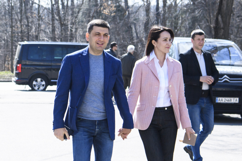 Volodymyr Groysman vows today's choice of Ukrainians is important