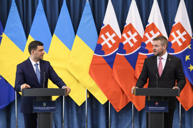 Ukraine and Slovakia stand ready to provide steady gas transit to the EU, says Volodymyr Groysman