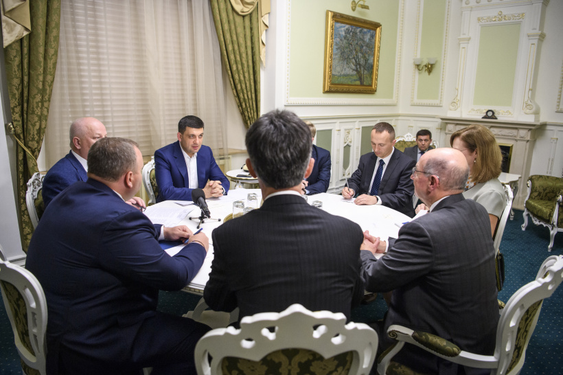 Ukraine is keen to collaborate with the United States to increase the efficiency and transparency of the national military-industrial complex, says Volodymyr Groysman at a meeting with US Senior Advisor Donald Winter