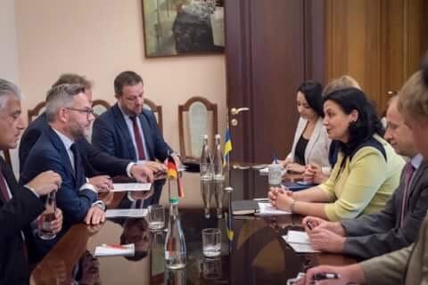 Держміністр МЗС Німеччини назвав російську пропаганду викликом для всієї Європи